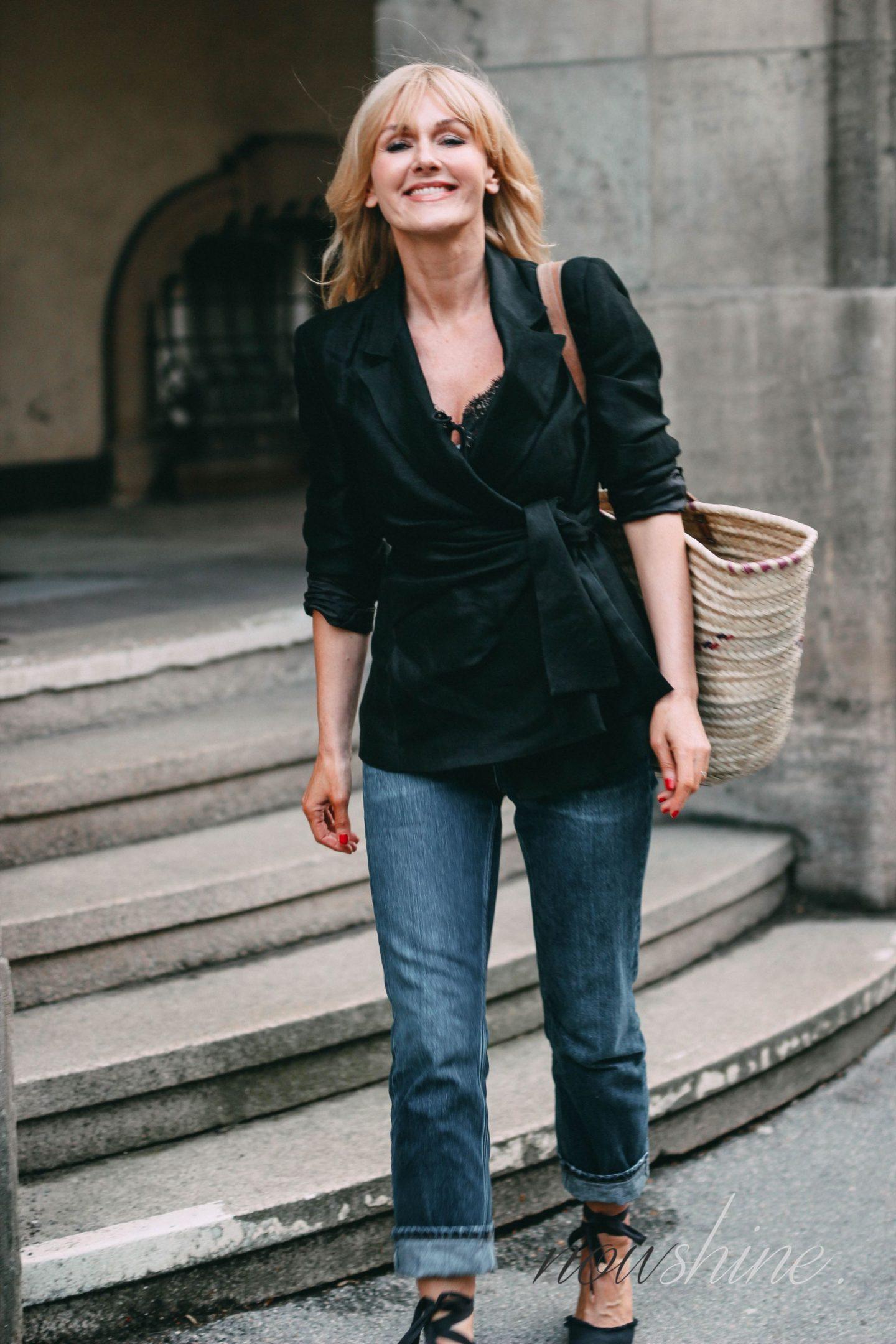 Nowshine trägt einen Leinenblazer mit Schleife von Zara - ü40 Fashion Blog