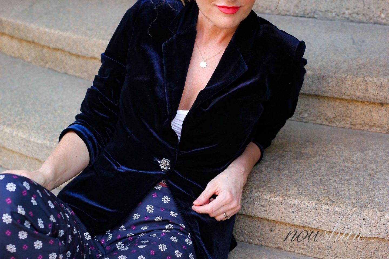 Saphirfarbener Samtblazer zur Hose im Pyjama-Look - WENZ -Nowshine ü 40 Fashion Blog