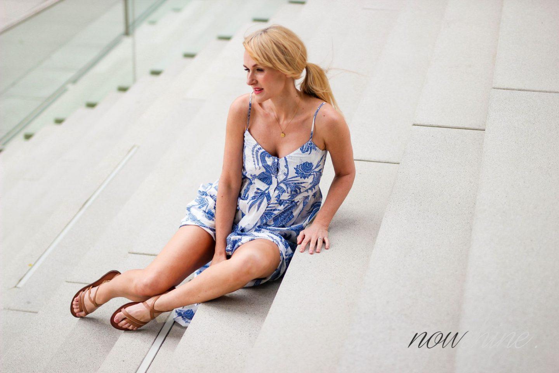 Feminine Maxikleider für den Sommer - Nowshine im Maxikleid von H&M Trend - Hyatt Regency Düsseldorf Shooting