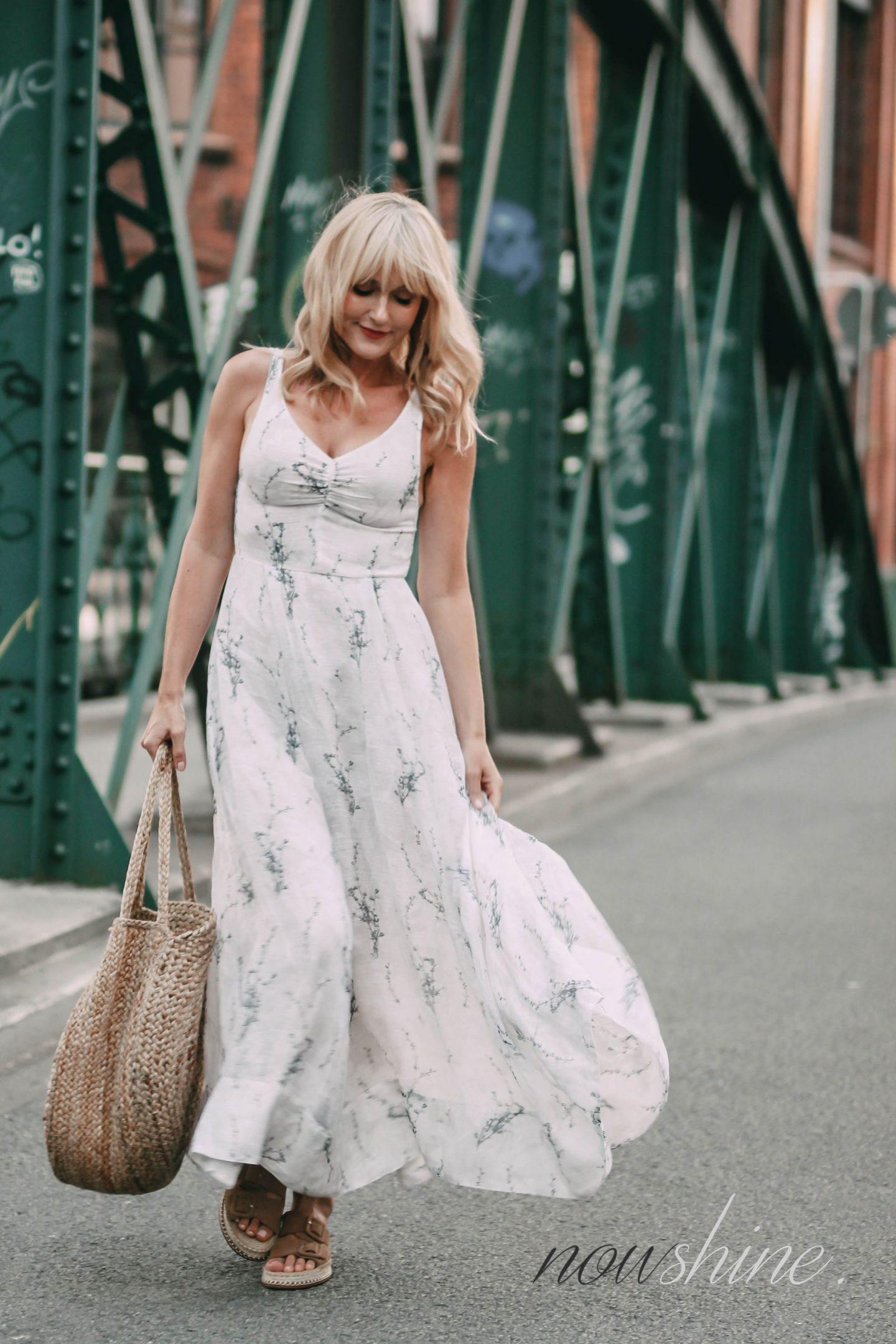 Conscious Exclusive Kleid von H&M - Beutelatsche aus Jute von Mango - Sandalen aus Jute von Zara - Nowshine Mode ab 40