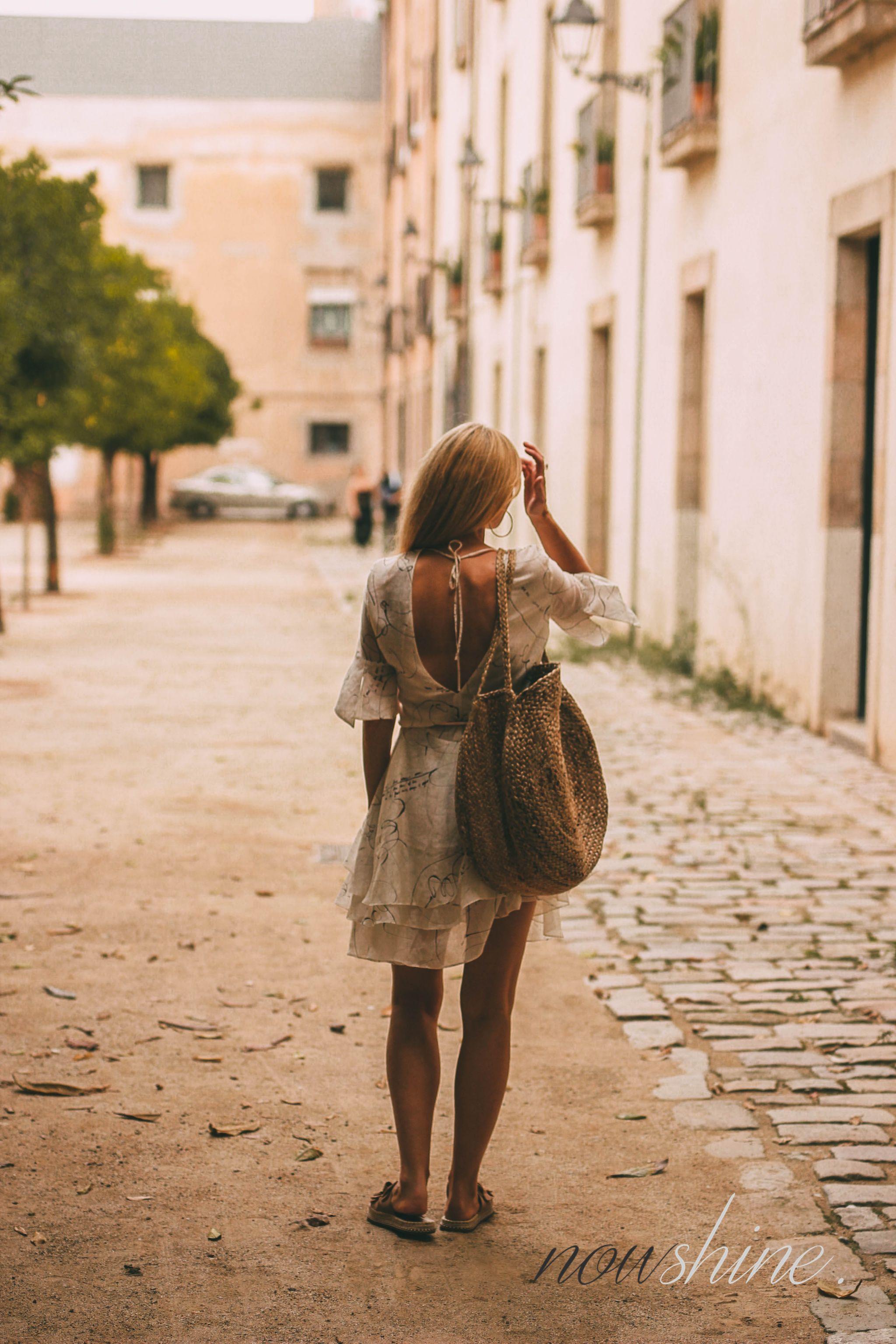 Kurztrip nach Barcelona - Nowshine Reisetipps - Kleid H&M Conscious Collection