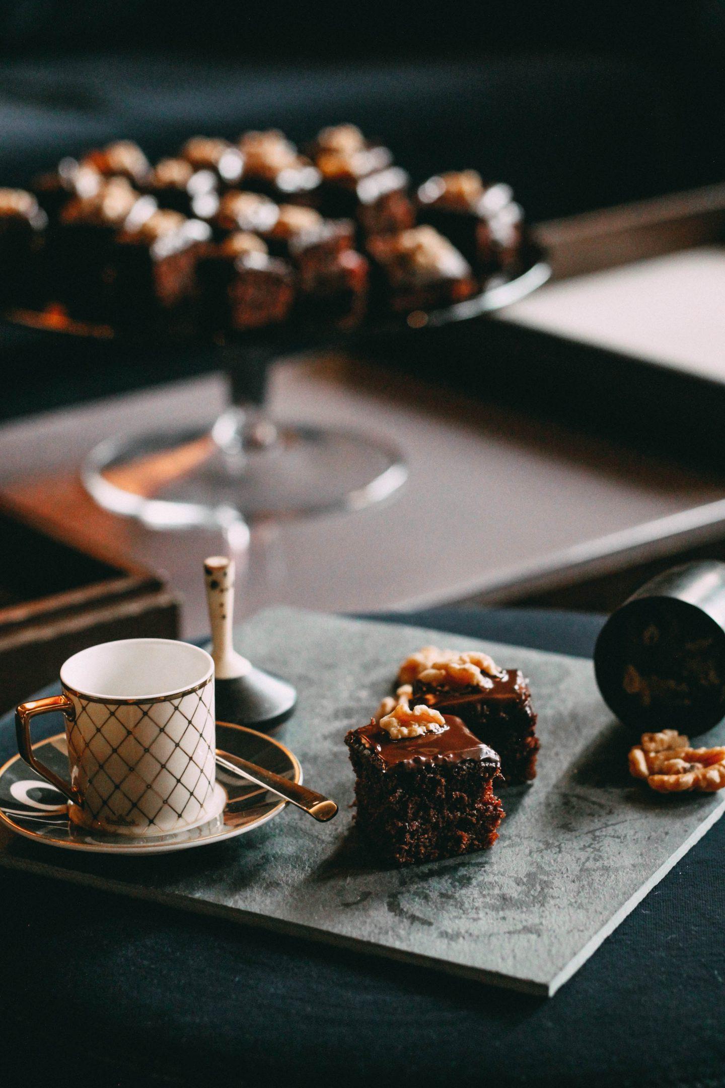 Omas_Lebkuchen-schnelles Weihnachtsgebäck nach Grossmutters Rezept-Backanleitung für einen saftigen und weichen Lebkuchen