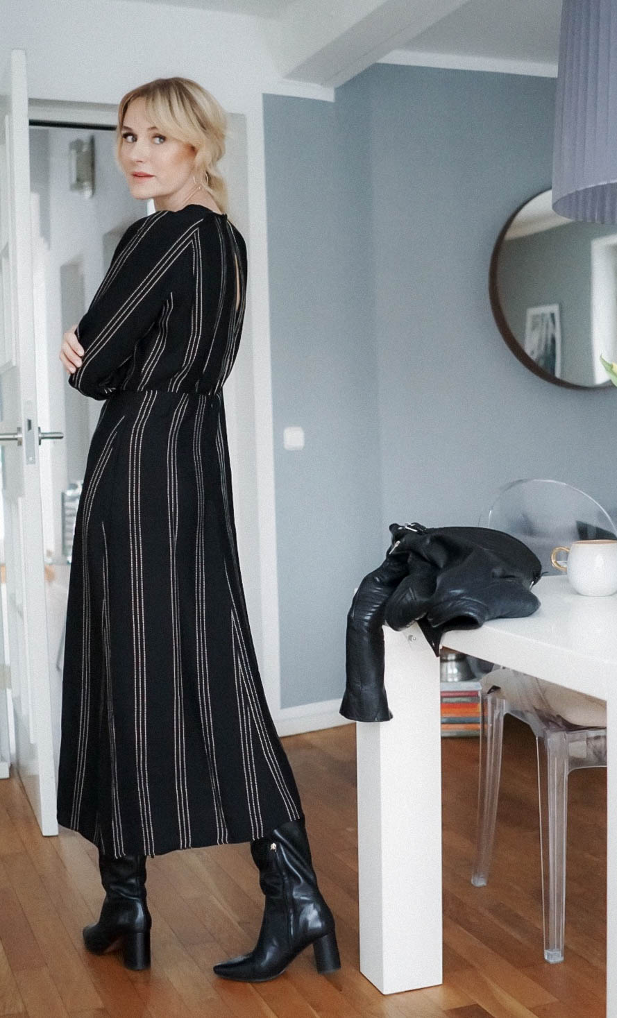 Wie kombiniere ich ein Midikleid im Winter zu Stiefeln-Kleid von H&M-Nowshine Fashion über 40