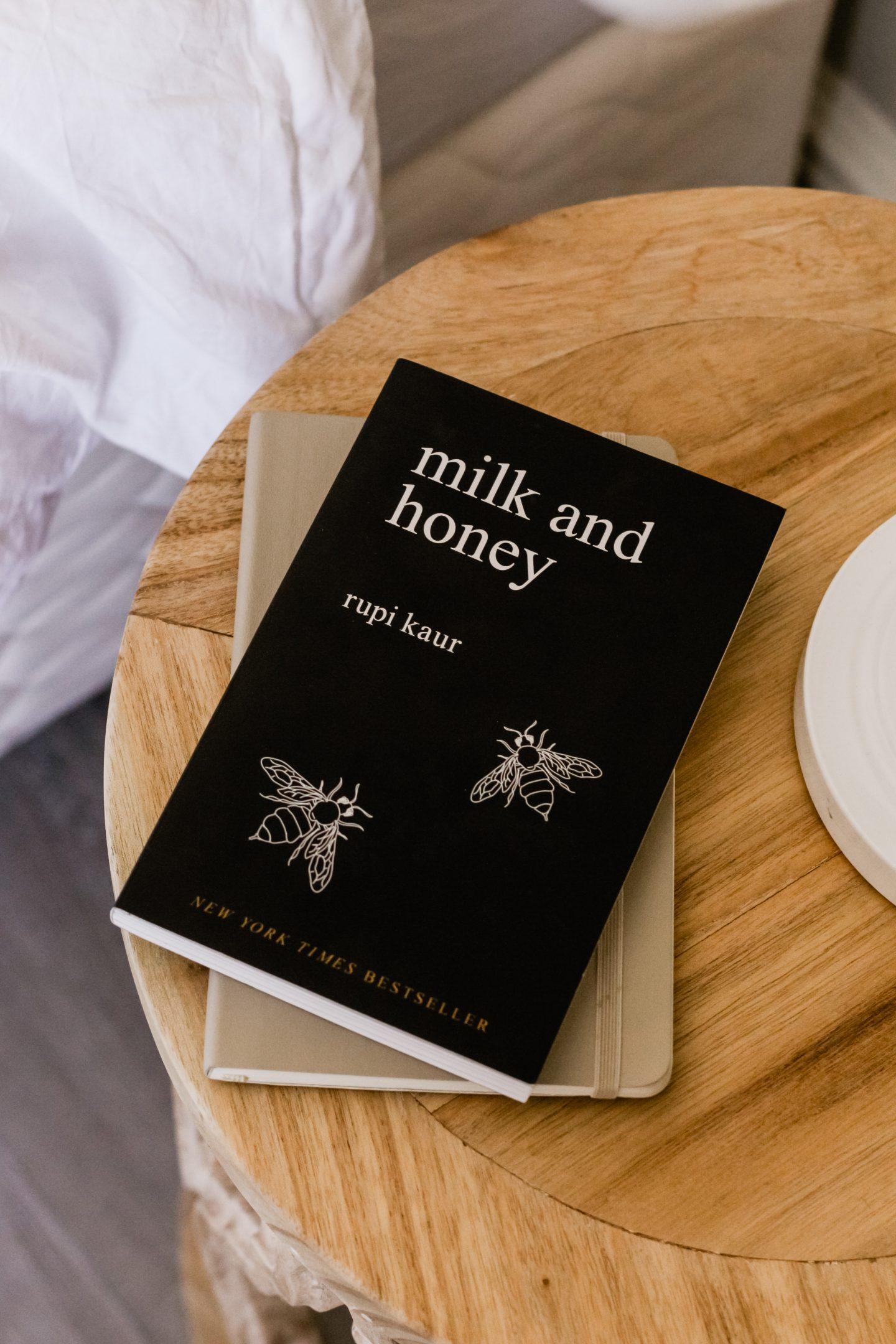 Milk_and_Honey_buch-Schwarze Löcher Superpower