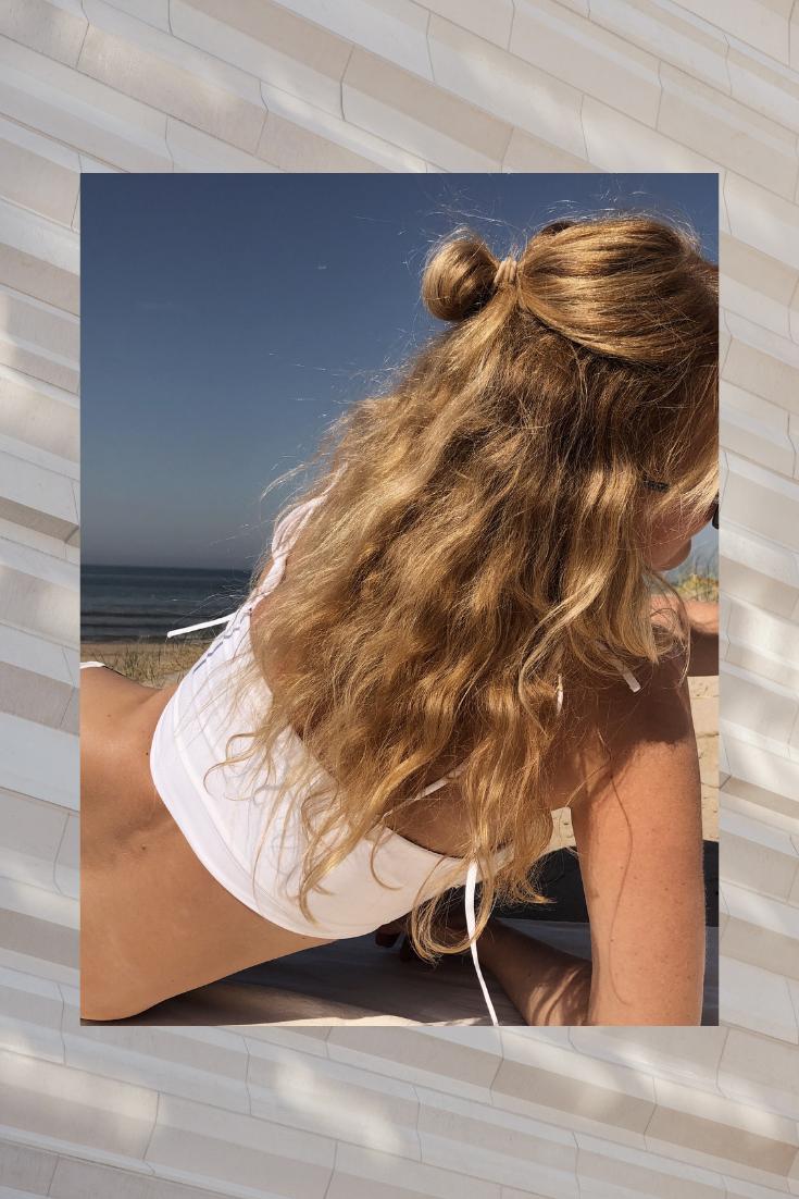Wie färbst du deine Haare, blonde Wellen, luftgetrocknet, beach waves
