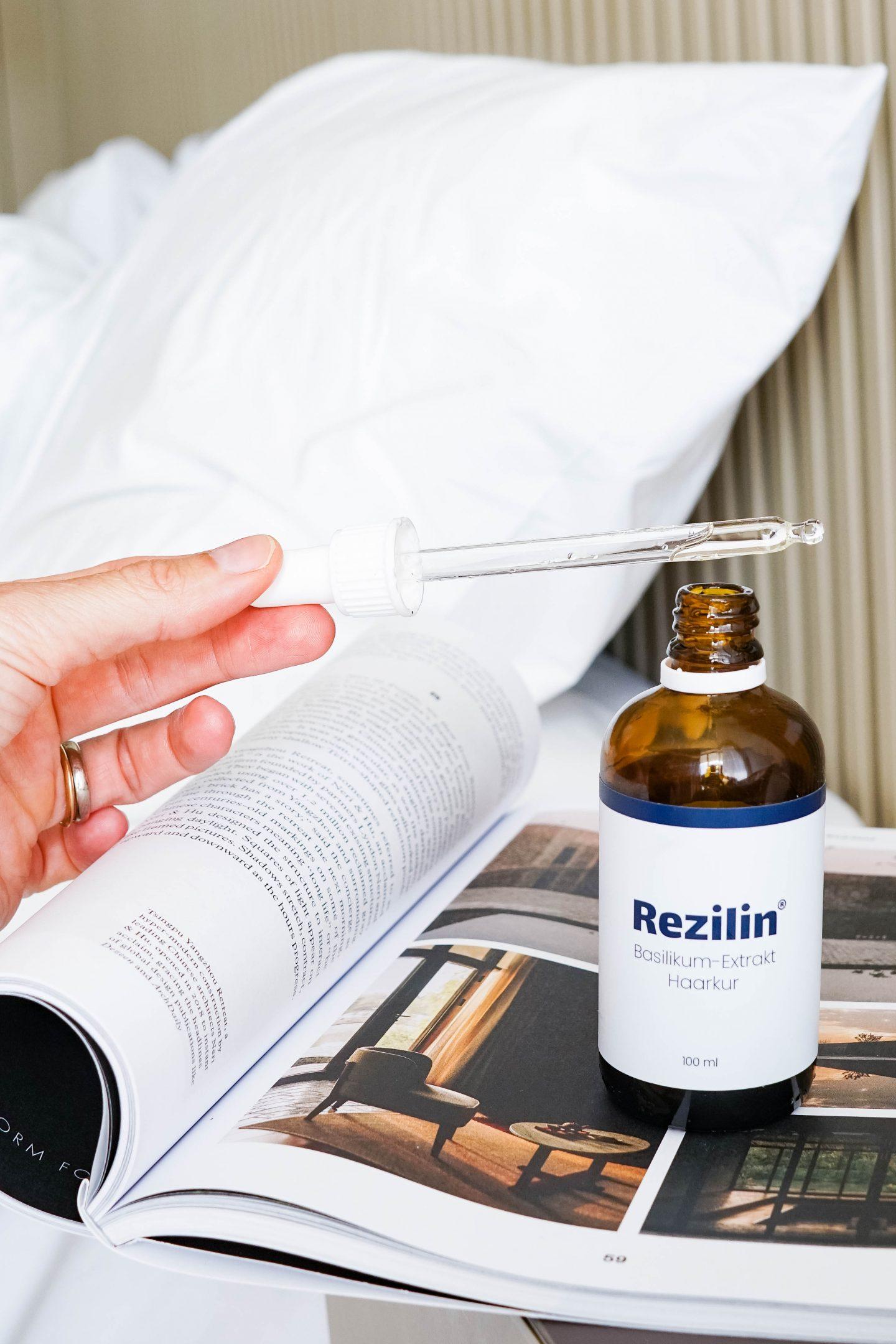 Rezilin Anwendung mit Pipette - Beautyblog Nowshine - Basilikum-Extrakt Haarkur gegen Haarausfall