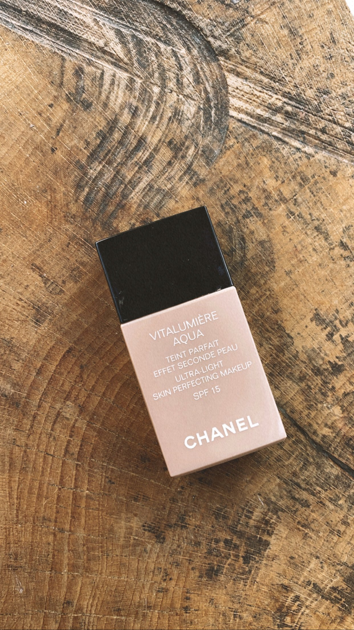 Chanel-Vitalumiere-Aqua-20-Beige