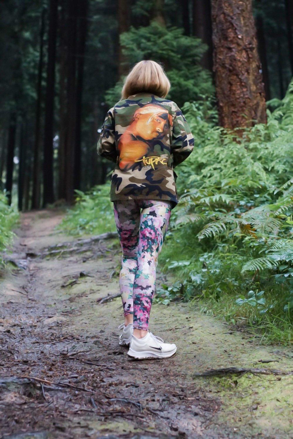 Nachhaltige Yoga Leggings von Mandala und Vintage Jacke